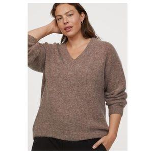 H&M plus size sweater